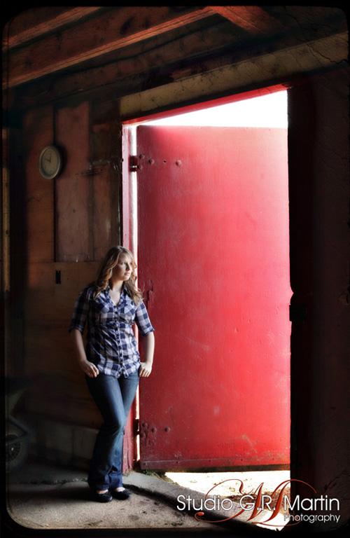 Ottawa High school senior photography - Graduation photography - On location lifestyle photographers