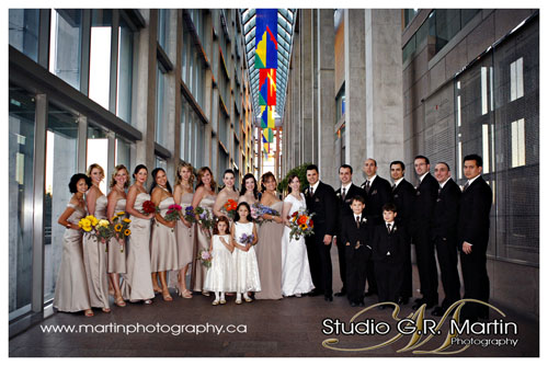 National Gallery of Ottawa wedding party photography