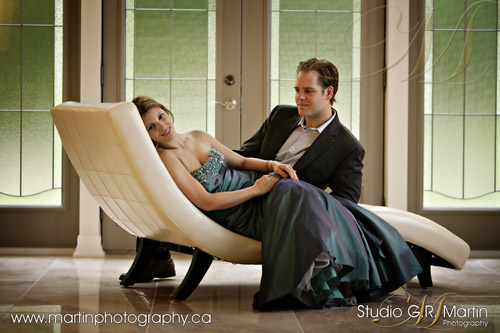 engagement photoshoot - Ottawa couple photography - Downtown Ottawa Ontario Portrait