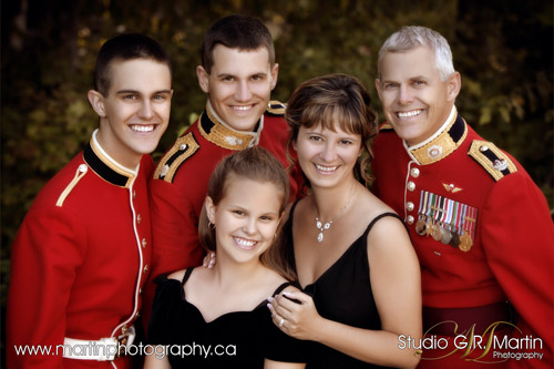 Ottawa Family Photographer - Outdoor Photography - Cumberland Estate Studio - Family Portrait Photography