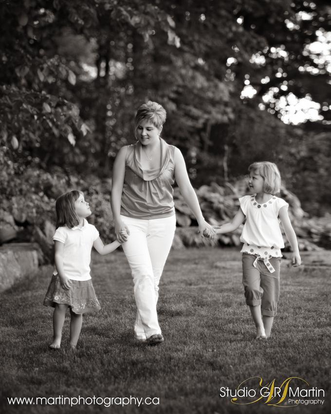 Ottawa Family Photographers - Ottawa Family Photography - Ottawa Outdoor Studio - Family Photographers In Ottawa