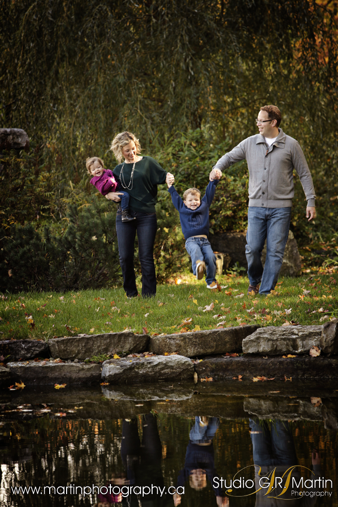 candid family photography - fall colors ottawa
