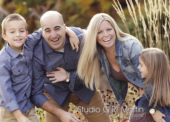 Fall photography family outdoors with fall colors ottawa ontario