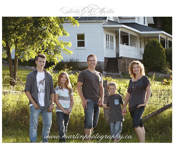 Ottawa family photographers, Ottawa family photography, ottawa family photos, family photography in Ottawa Orleans Cumberland, Family photographers in Ottawa