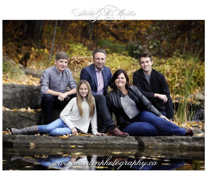 ottawa portrait and wedding photographers - family photographers in Ottawa, outdoor portrait studio Ottawa Ontario Canada Photographer