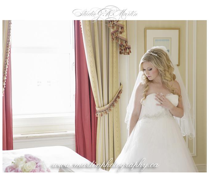 Ottawa-Fairmont-Chateau-Laurier-Wedding-Photographers-bride