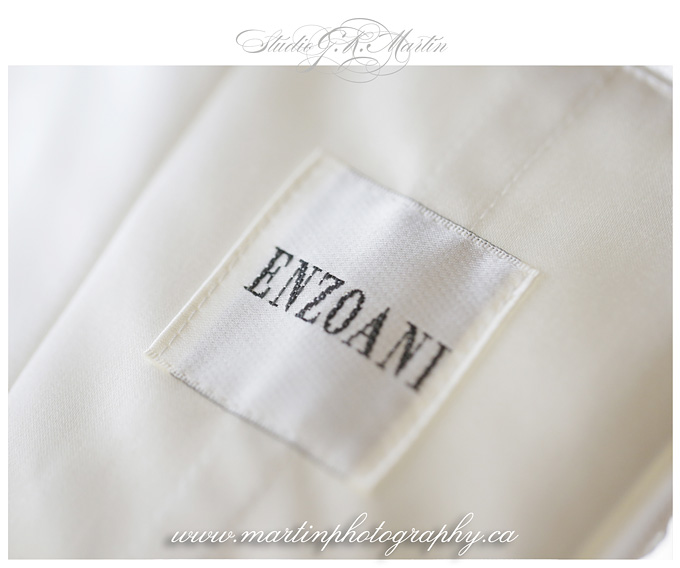 Ottawa-Fairmont-Chateau-Laurier-Wedding-Photographers-enzonie-wedding-dress