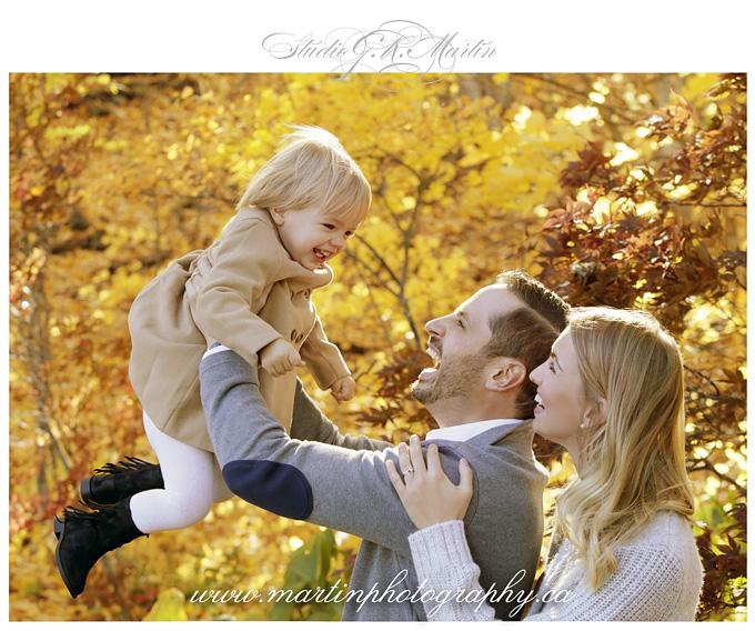 Ottawa-studio-family-photography-outdoor-lifestyle-photographers - family of three fall photography