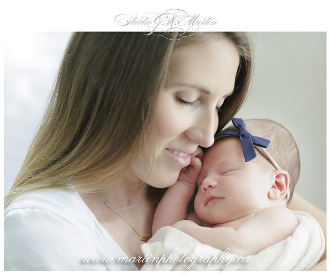 Ottawa-at-home-lifestyle-maternity-session-newborn-studio-photography-session