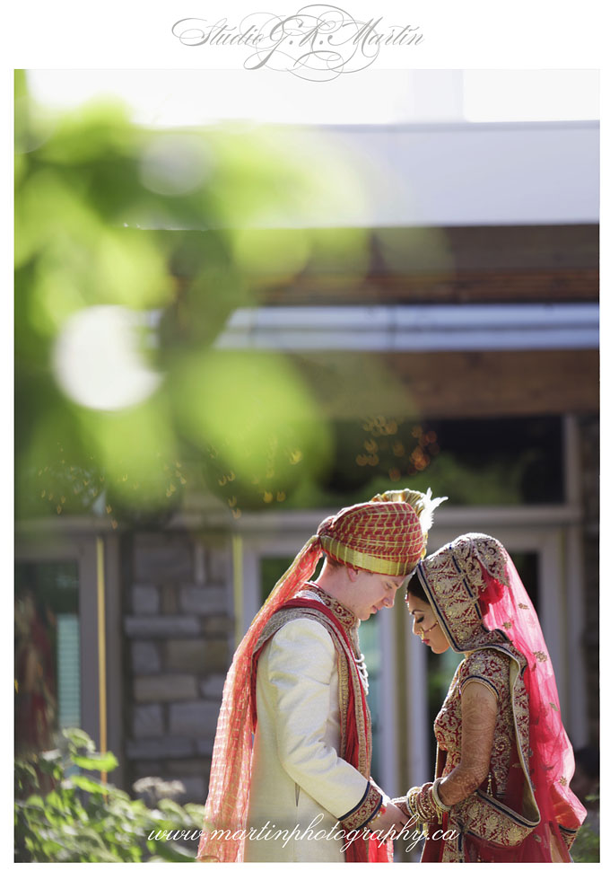 Ottawa-Elegant-Traditional-Hindu-Indian-Ceremony-Wedding-Photographers-HiltonLacLeamy