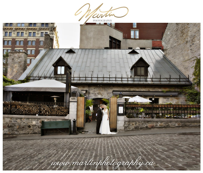 Montreal-wedding-old-city-hall-wedding-mariage-Old-Montreal-Auberge-Saint-Gabriel-Ottawa-Wedding-Photographer