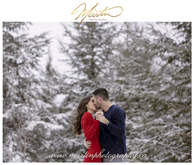 Ottawa-couple-engagement-outdoor-winter-photography